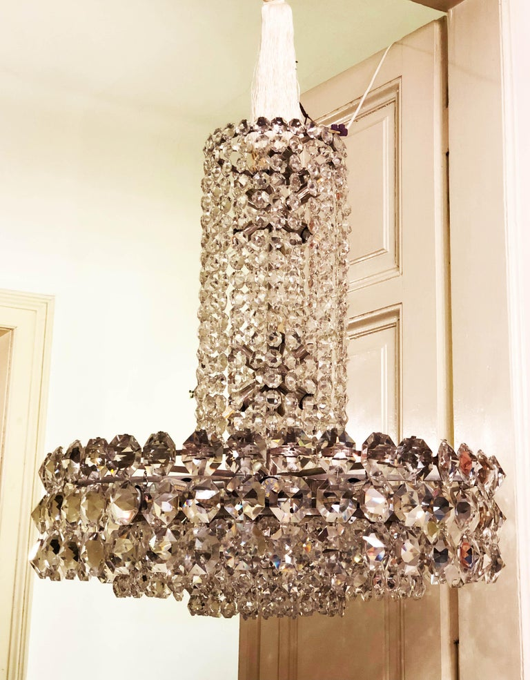 Brass Huge Beautiful Crystal Chandelier by Bakalowits & Söhne Vienna, 1960s For Sale