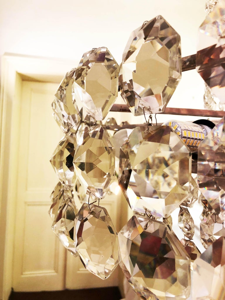 Huge Beautiful Crystal Chandelier by Bakalowits & Söhne Vienna, 1960s For Sale 2