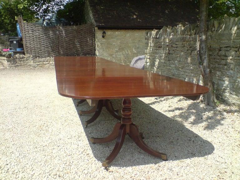 British Huge circa 1800 Six Pillar Georgian Pre Regency Antique Mahogany Dining Table For Sale