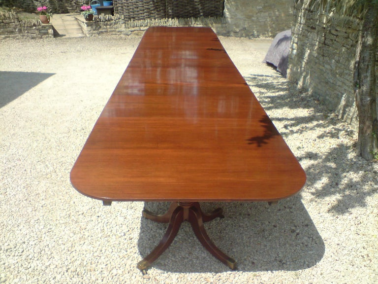 Huge circa 1800 Six Pillar Georgian Pre Regency Antique Mahogany Dining Table In Good Condition For Sale In Gloucestershire, GB