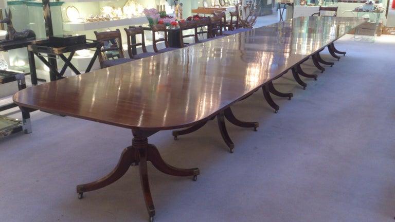 Huge circa 1800 Six Pillar Georgian Pre Regency Antique Mahogany Dining Table For Sale 1