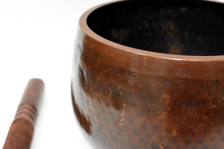 Huge Japanese Antique Bronze Singing Bowl, Copper, Hand-Hammered For Sale 1