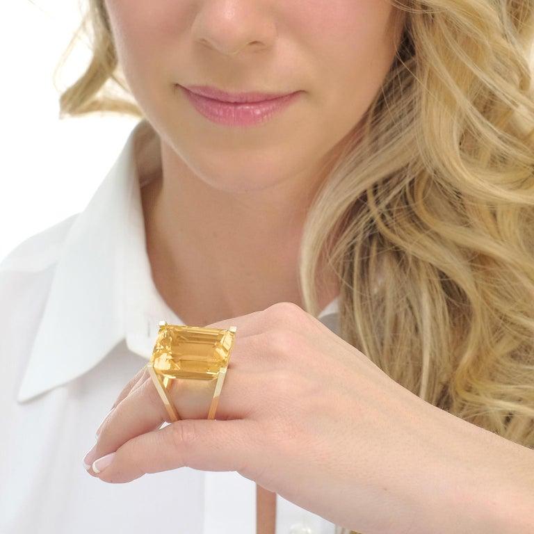 Women's or Men's Huge Modernist Citrine Ring 18 Karat For Sale