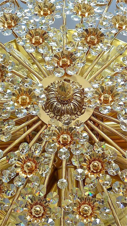 Hugo Palwa Kronleuchter aus Vergoldetem Messing in Blumenstrauß Form mit Kristallen, 1960 4