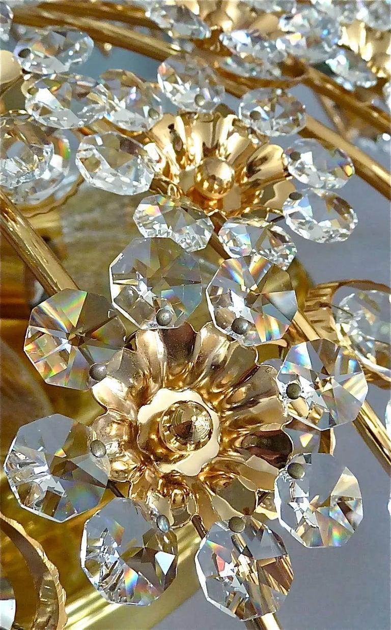 Hugo Palwa Kronleuchter aus Vergoldetem Messing in Blumenstrauß Form mit Kristallen, 1960 5
