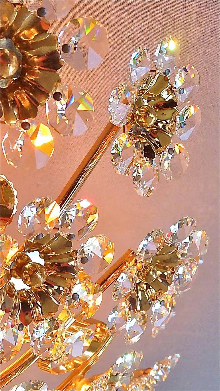 Hugo Palwa Kronleuchter aus Vergoldetem Messing in Blumenstrauß Form mit Kristallen, 1960 8