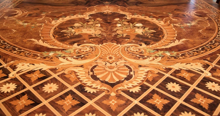 Huge Persian Briar Wood Dining Table In Excellent Condition For Sale In Carimate, Como