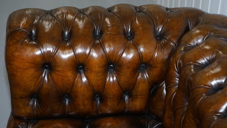 Huge Rare Victorian Horse Hair Fully Restored Brown Leather Chesterfield Sofa For Sale 7