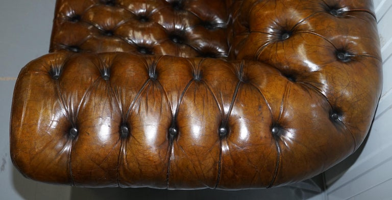 Huge Rare Victorian Horse Hair Fully Restored Brown Leather Chesterfield Sofa For Sale 10