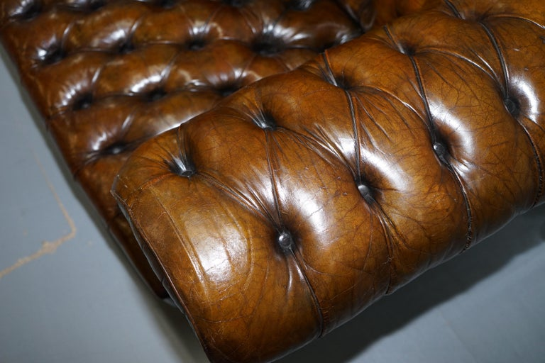Huge Rare Victorian Horse Hair Fully Restored Brown Leather Chesterfield Sofa For Sale 11