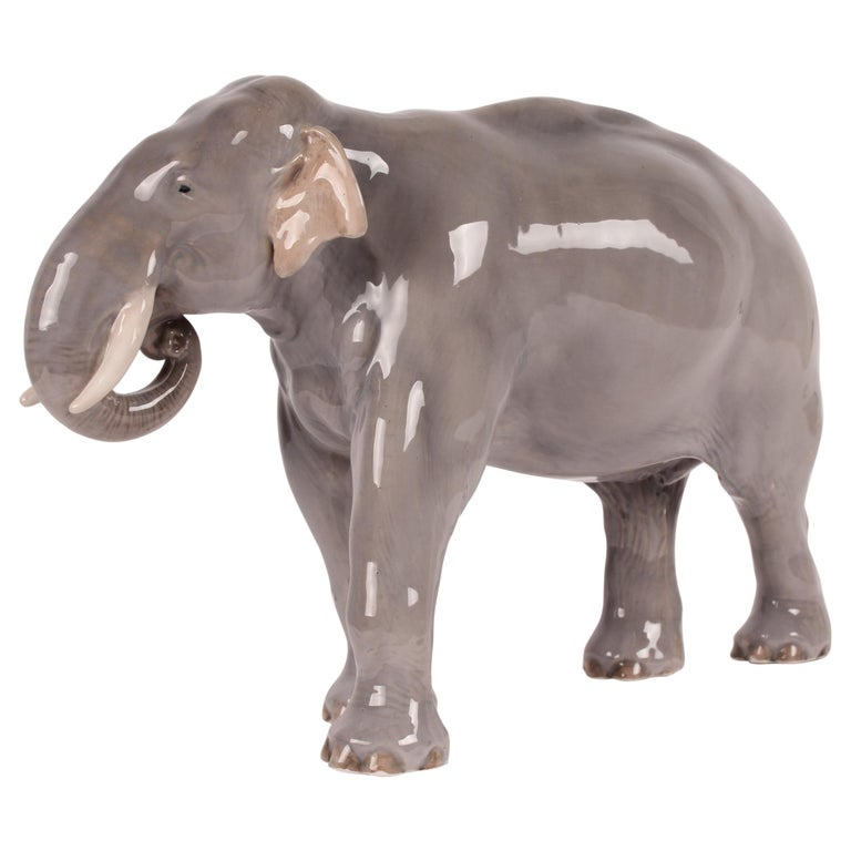 Huge Royal Copenhagen Elephant Figure Designed, Theodor Madsen Denmark 1923-1934 For Sale