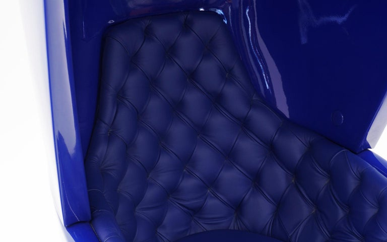 Contemporary Huge Showtime Armchair by Jaime Hayon, Spain, 2006, Blue Fiberglass and Leather For Sale
