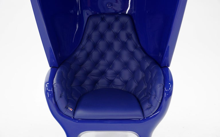 Huge Showtime Armchair by Jaime Hayon, Spain, 2006, Blue Fiberglass and Leather For Sale 1