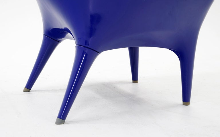 Huge Showtime Armchair by Jaime Hayon, Spain, 2006, Blue Fiberglass and Leather For Sale 3