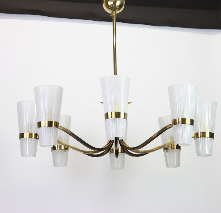 Mid-Century Modern Huge Sunburst Brass and Glass Chandelier, Stilnovo Style, 1950s For Sale