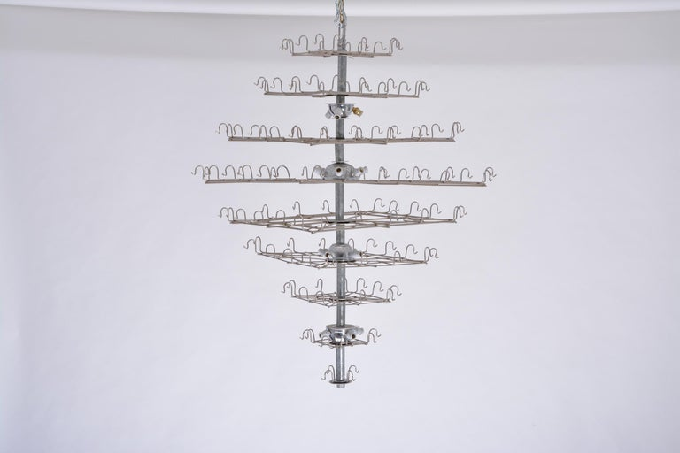 Huge Vintage Italian Chandelier with White Murano Glass Discs In Good Condition For Sale In Berlin, DE