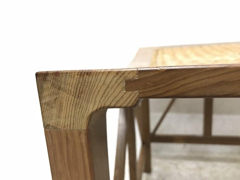 Hugh Birkett, Master Craftsman, an Arts & Crafts Handmade Yew Wood Thebes Stool In Good Condition For Sale In London, GB
