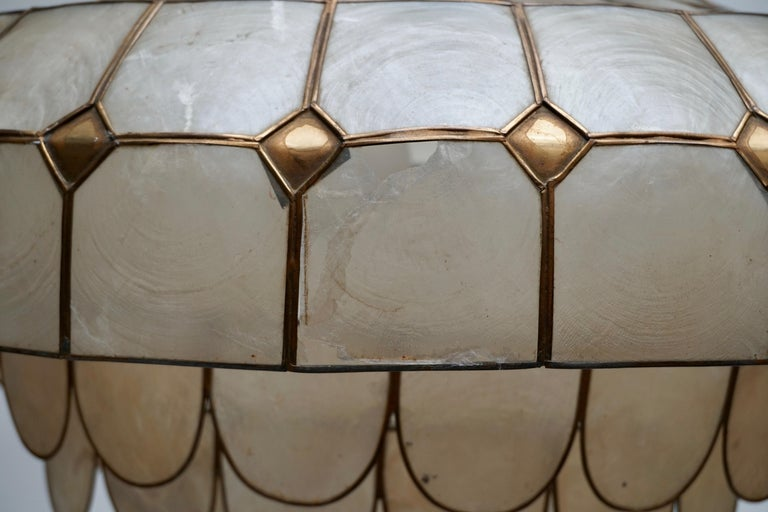 Hugh Nacre or Mother-of-Pearl and Brass Pendant Lamp, Italy, 1960 For Sale 11
