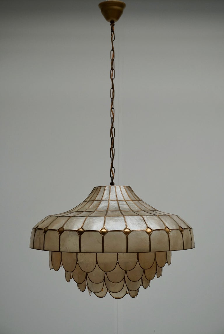 Mid-Century Modern Hugh Nacre or Mother-of-Pearl and Brass Pendant Lamp, Italy, 1960 For Sale