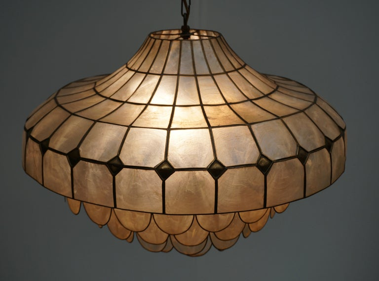 20th Century Hugh Nacre or Mother-of-Pearl and Brass Pendant Lamp, Italy, 1960 For Sale