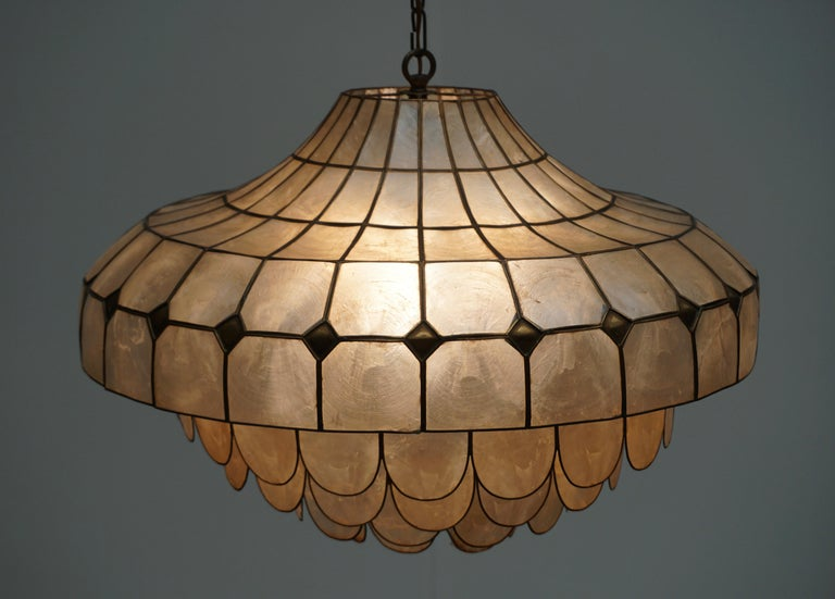 Hugh Nacre or Mother-of-Pearl and Brass Pendant Lamp, Italy, 1960 For Sale 1