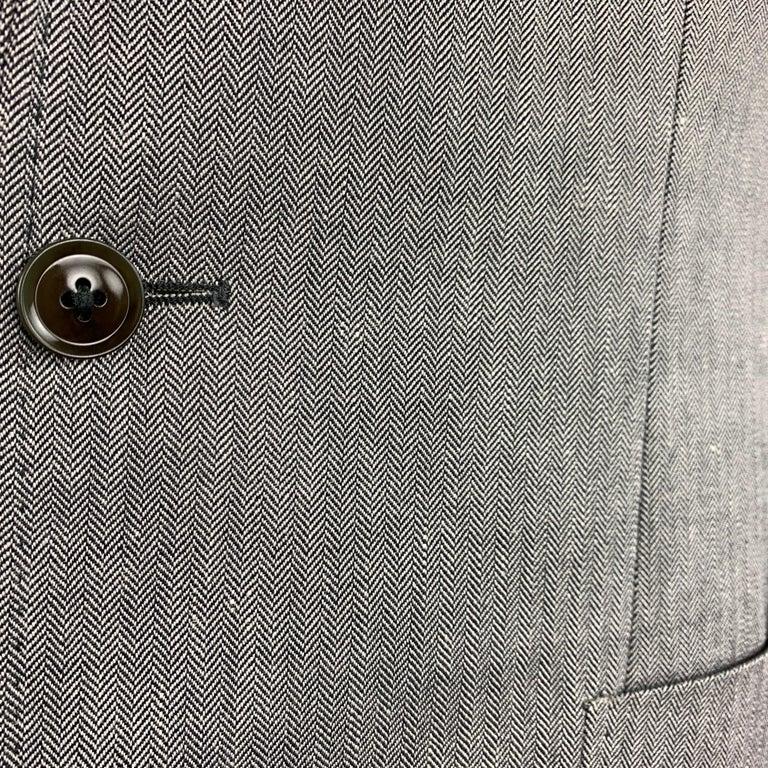 HUGO BOSS 38 Regular Grey Herringbone Wool / Linen Notch Lapel Sport Coat In Excellent Condition For Sale In San Francisco, CA