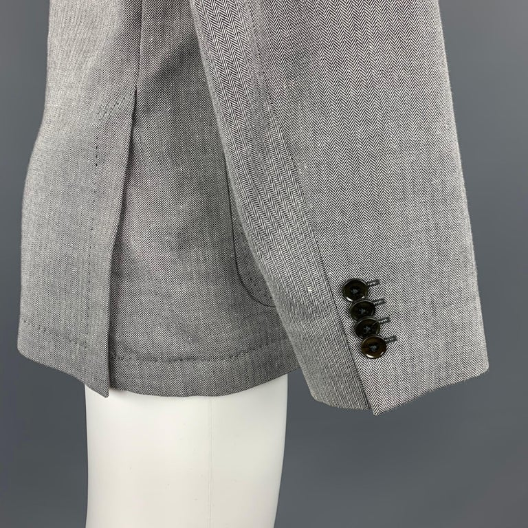 HUGO BOSS 38 Regular Grey Herringbone Wool / Linen Notch Lapel Sport Coat For Sale 2