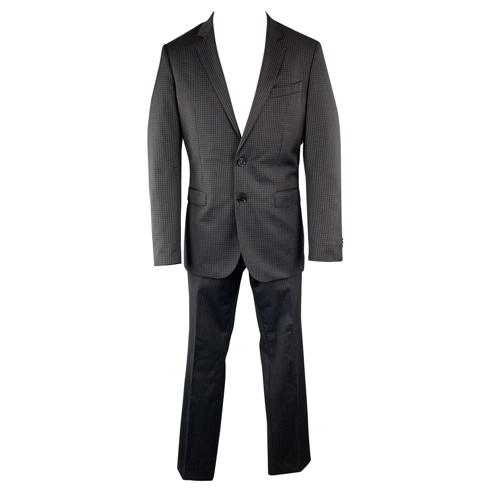 HUGO BOSS Size 40 Plaid Navy Wool 34 x 31 Notch Lapel Suit