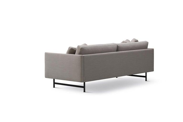 Mid-Century Modern Hugo Passos Calmo Sofa 95 – 2-seater – Metal Base For Sale
