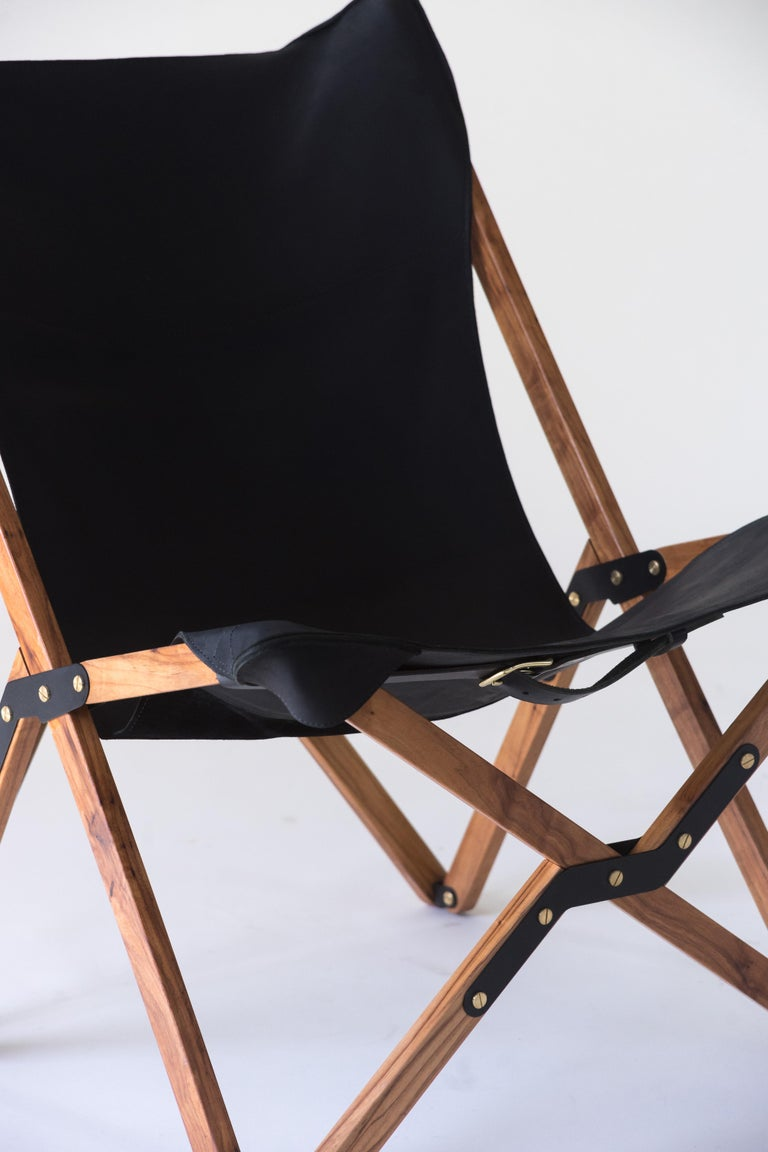 American Humphrey Chair, Pecan Wood and Leather Folding Chair 'Black' For Sale