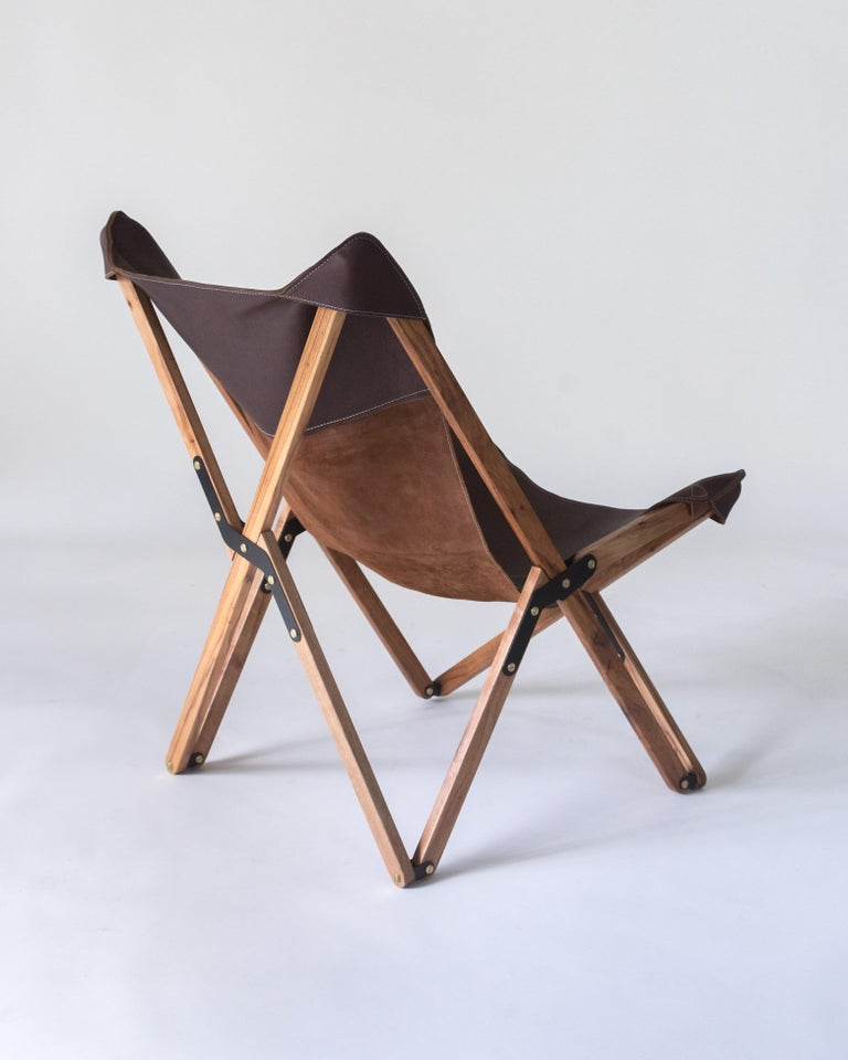 American Humphrey Chair, Pecan Wood and Leather Folding Chair 'Brown' For Sale