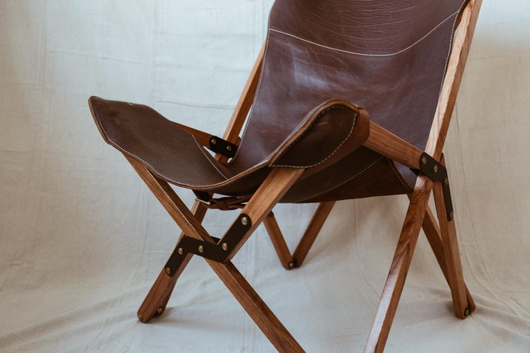Powder-Coated Humphrey Chair, Pecan Wood and Leather Folding Chair 'Brown' For Sale