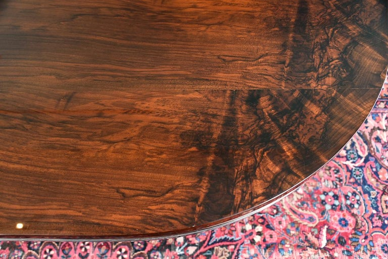 Hungarian Oval Dining Room Table in Walnut, Art Deco Period In Excellent Condition In Houston, TX