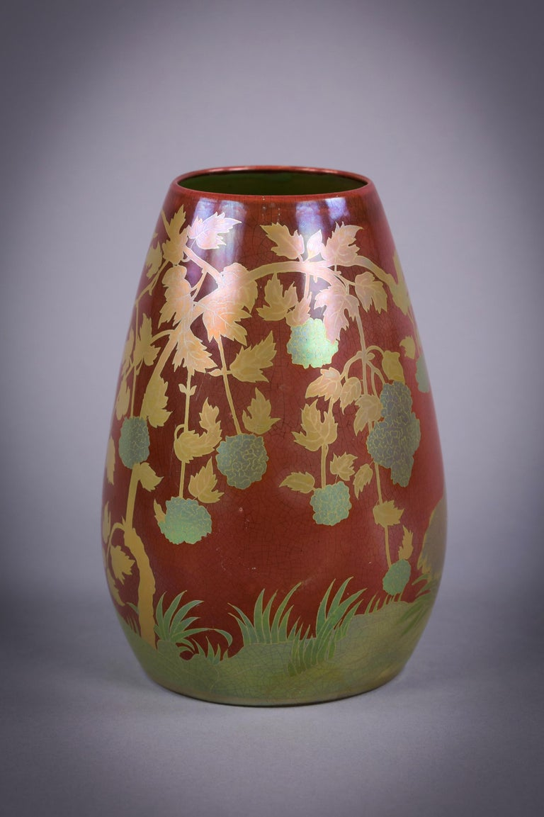 Hungarian Porcelain Eosin Glazed Bird Vase, Zsolnay, circa 1900 In Excellent Condition For Sale In New York, NY