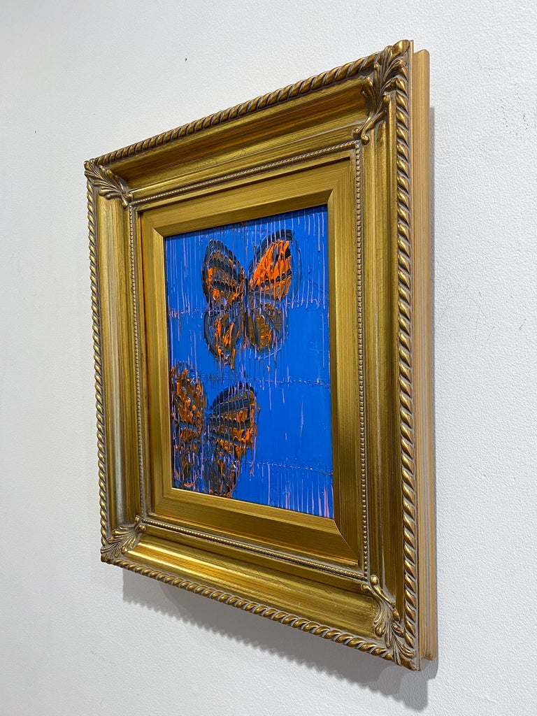 Hunt Slonem blue and orange butterflies painting 'Monarchs' - Brown Animal Painting by Hunt Slonem