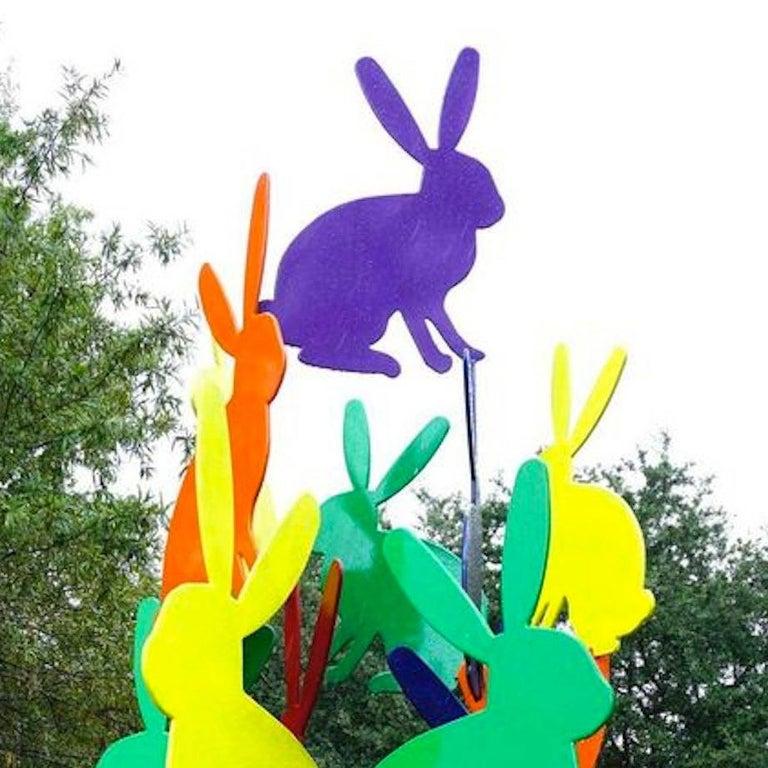 Outdoor bunny sculpture - Contemporary Sculpture by Hunt Slonem