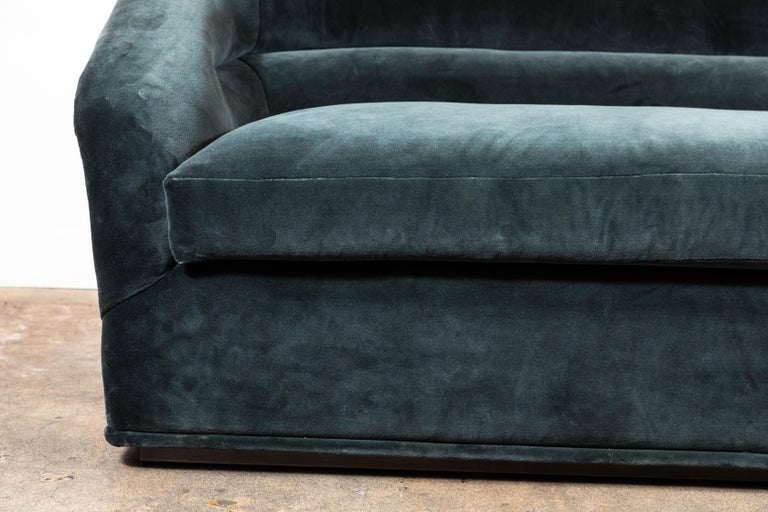 Huxley Sofa by Lawson-Fenning In New Condition For Sale In Los Angeles, CA