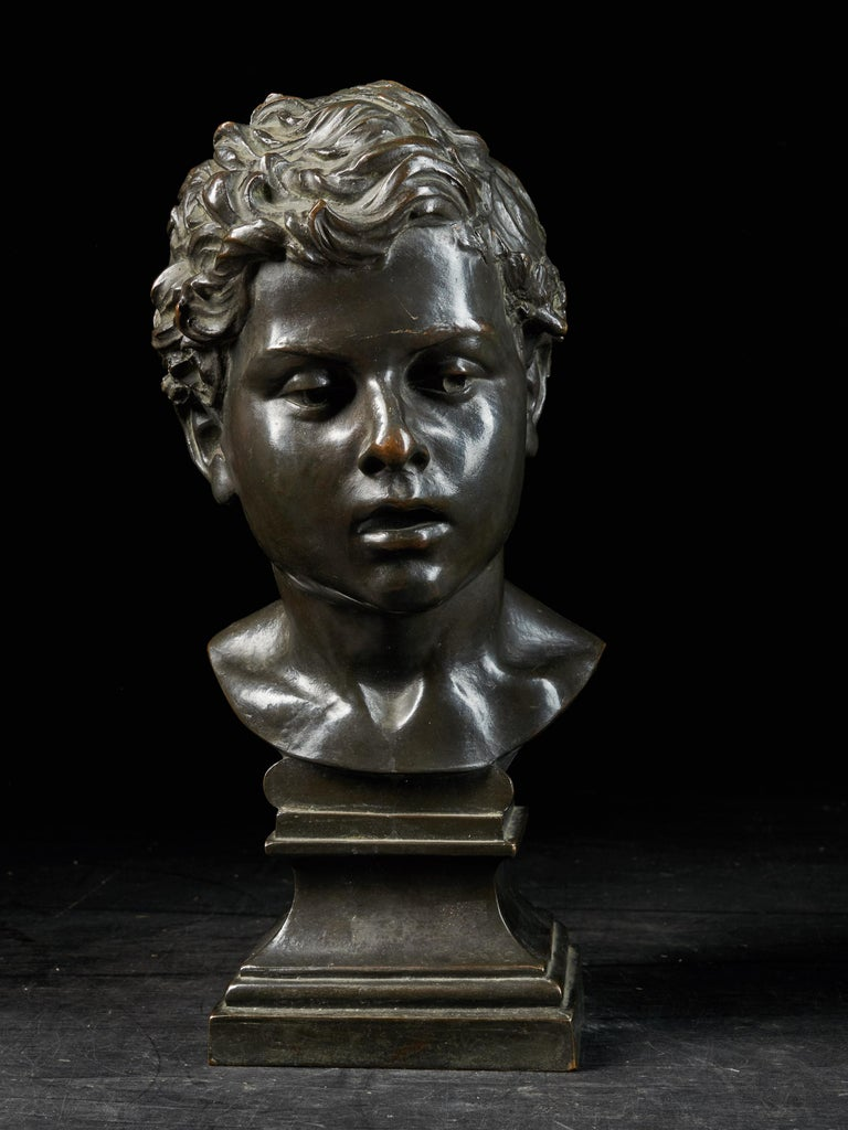 H.Van Hoeter, Bronze Buste of a Young Man, Signed In Good Condition For Sale In Leuven , BE