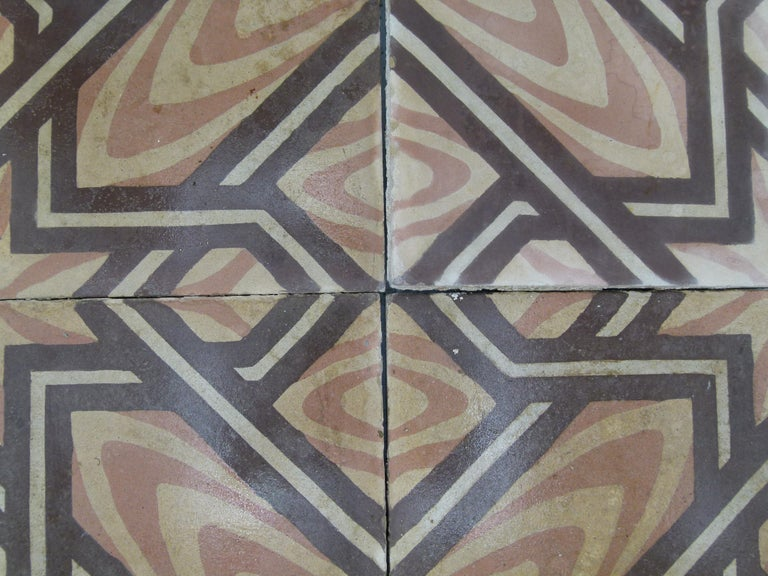 Hydraulic Spanish Art Nouveau Tiles In Good Condition For Sale In Vulpellac, Girona