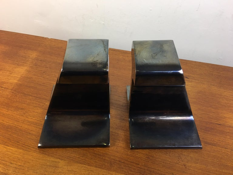 I Beam Metal Bookends In Good Condition For Sale In Philadelphia, PA