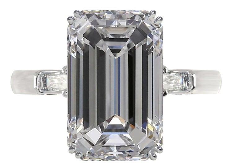 Modern Exceptional GIA Certified 3.01 Carat Emerald Cut Diamond Ring