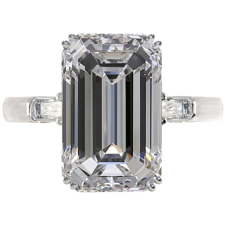 Exceptional GIA Certified 3.01 Carat Emerald Cut Diamond Ring