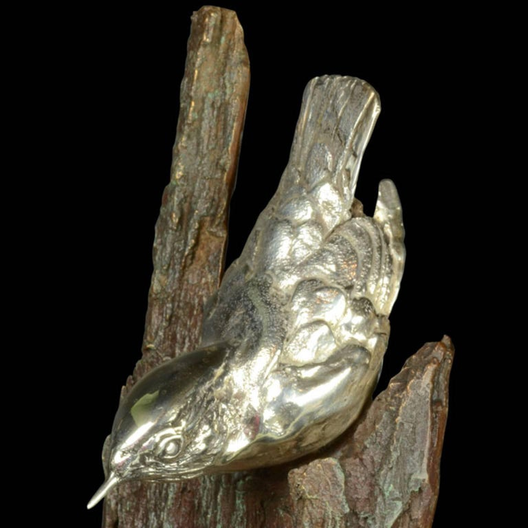 A finely modelled sterling silver Nuthatch on a bronze bark For Sale 2