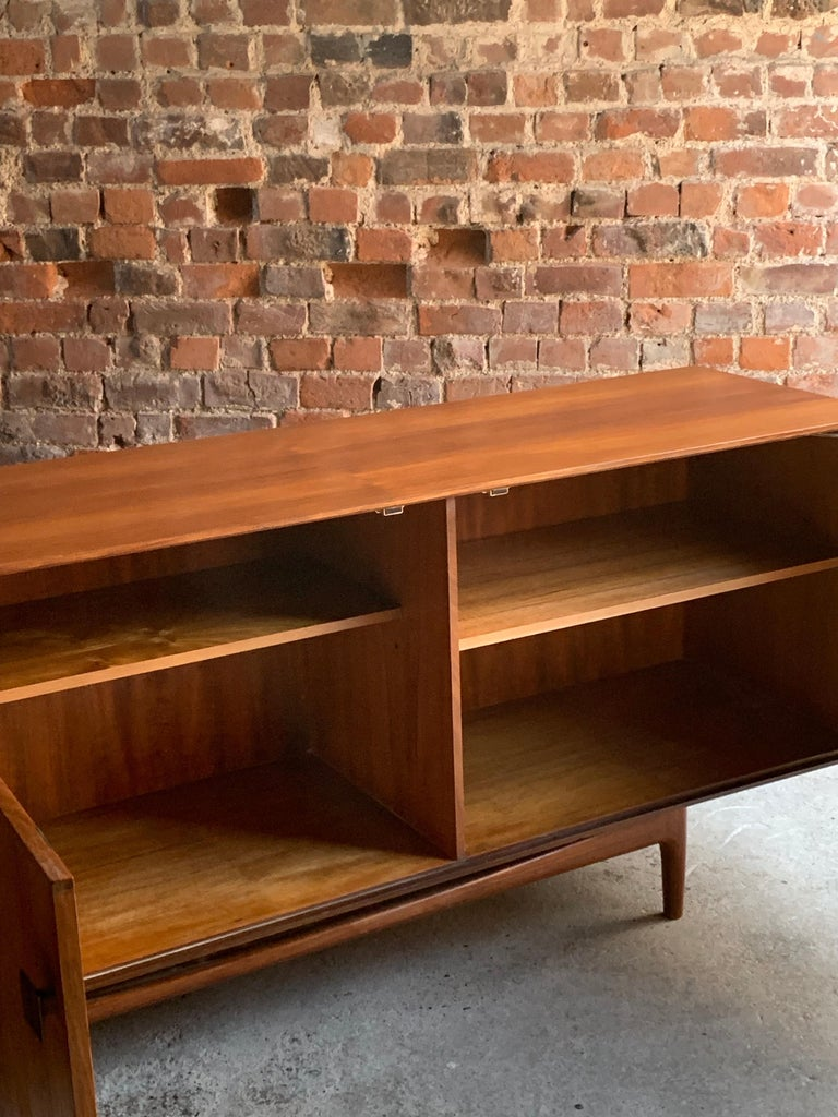 Ib Kofod-Larsen African Teak Sideboard Credenza, G-Plan Danish Design, 1960s In Good Condition For Sale In Longdon, Tewkesbury