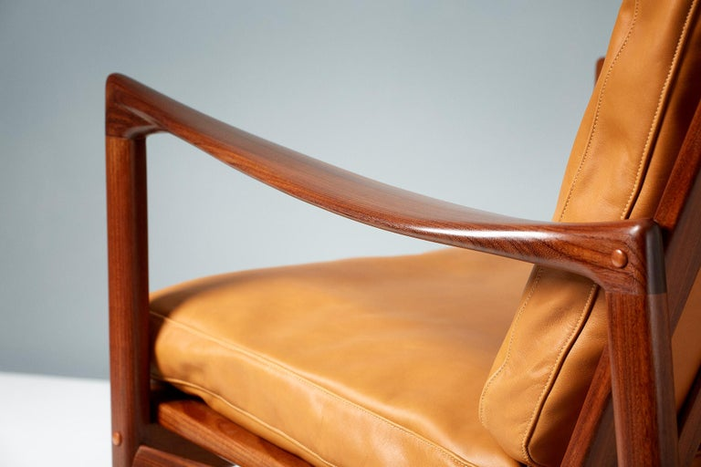Ib Kofod-Larsen Afromosia Teak Candidate Lounge Chairs, circa 1960 In Excellent Condition For Sale In London, GB