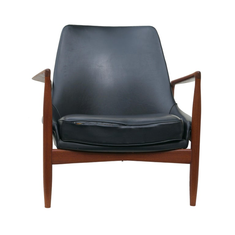 Scandinavian Modern Ib Kofod-Larsen Black Leather Seal Easy Lounge Chair by OPE in Sweden For Sale