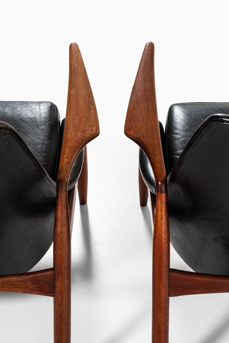 Scandinavian Modern Ib Kofod-Larsen Easy Chairs Model Sälen / Seal Produced by OPE in Sweden For Sale