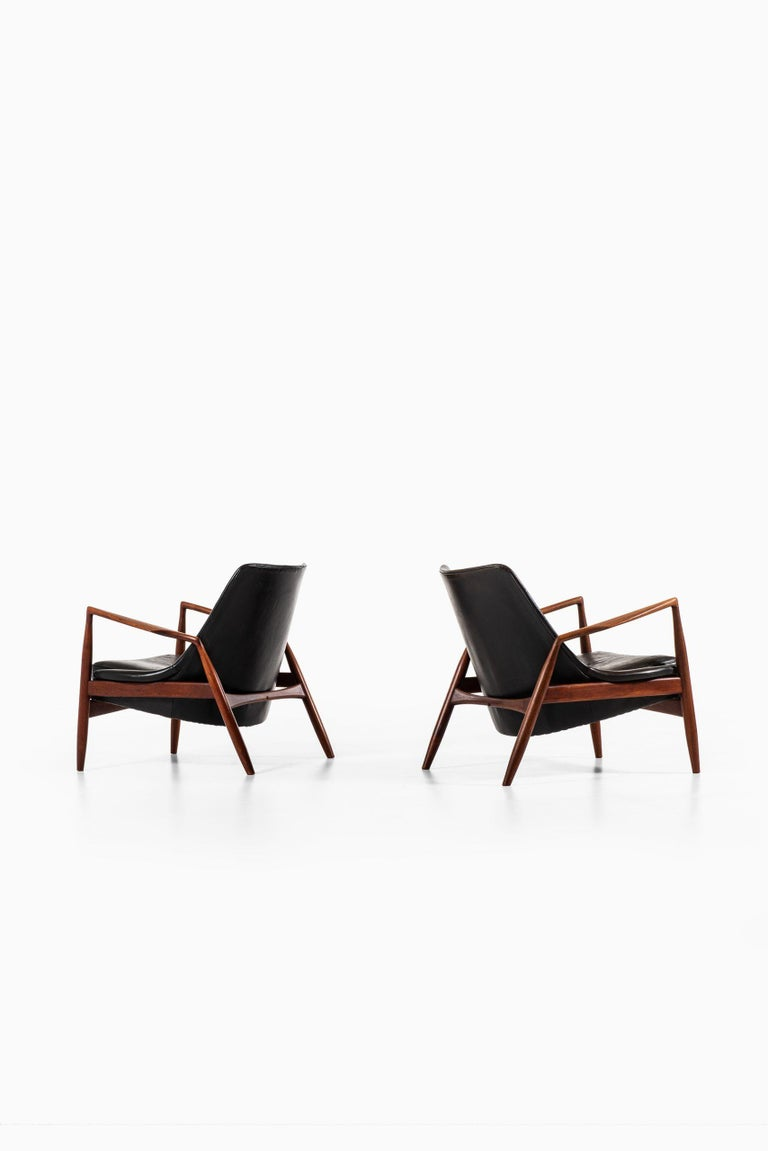 Mid-20th Century Ib Kofod-Larsen Easy Chairs Model Sälen / Seal Produced by OPE in Sweden For Sale