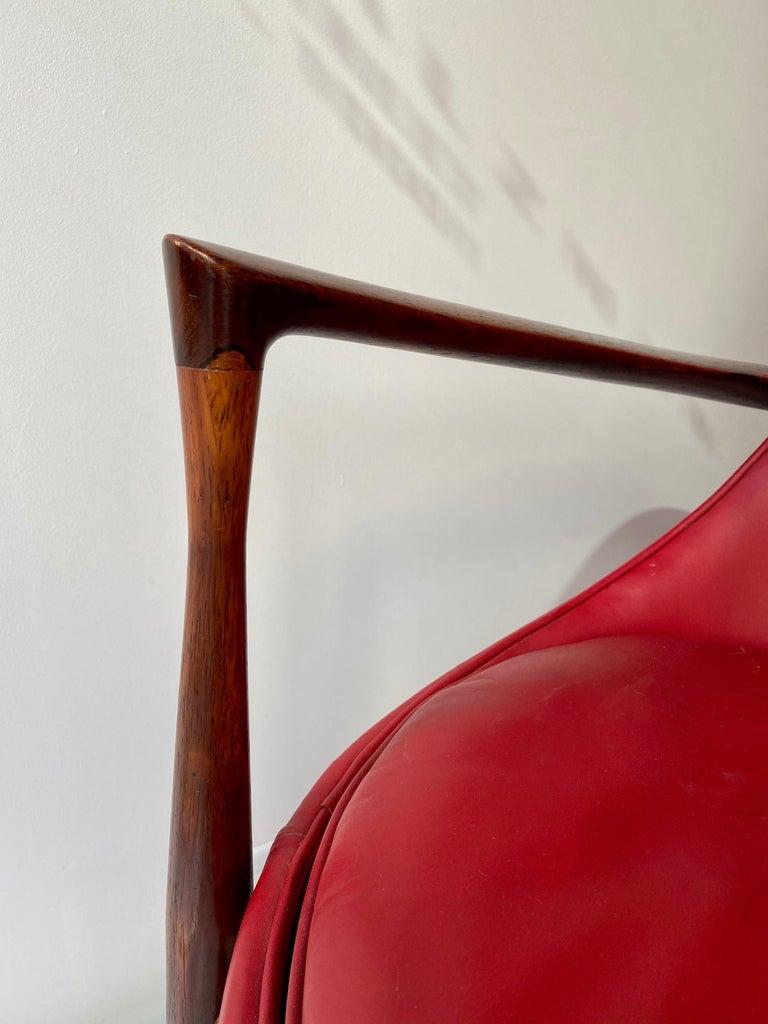 "Ib Kofod - Larsen ""Elizabeth"" Chair in Rosewood, 1956 For Sale 3"