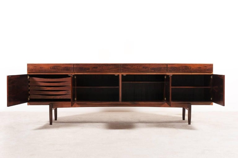 Ib Kofod-Larsen, FA66 Rosewood Sideboard, 1960s In Excellent Condition For Sale In Paris, FR